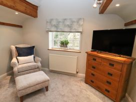 The Coach House Apartment - Cotswolds - 1061403 - thumbnail photo 3