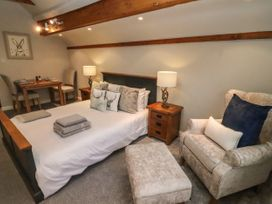 The Coach House Apartment - Cotswolds - 1061403 - thumbnail photo 10