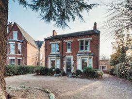 6 bedroom Cottage for rent in Retford