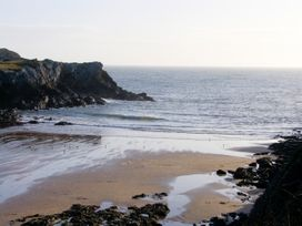 Ty Bach Twt - Anglesey - 1061480 - thumbnail photo 19