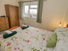 Hardy Cottage - Anglesey - 1061722 - thumbnail photo 16