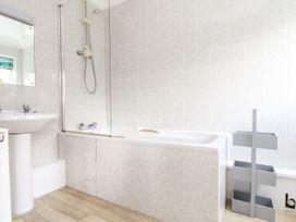 The Wesley Apartment - Cornwall - 1061763 - thumbnail photo 19