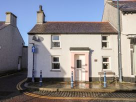 33 High Street - Anglesey - 1062007 - thumbnail photo 2