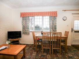 Oak - Kent & Sussex - 1062082 - thumbnail photo 8