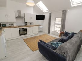 Sandpiper Apartment - North Wales - 1062156 - thumbnail photo 4