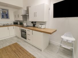 Sandpiper Apartment - North Wales - 1062156 - thumbnail photo 5