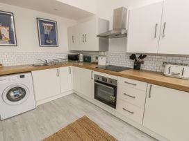 Sandpiper Apartment - North Wales - 1062156 - thumbnail photo 6