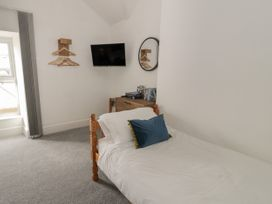 Sandpiper Apartment - North Wales - 1062156 - thumbnail photo 10
