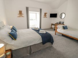 Sandpiper Apartment - North Wales - 1062156 - thumbnail photo 12