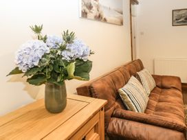 Wayside Cottage - North Yorkshire (incl. Whitby) - 1062267 - thumbnail photo 6