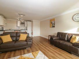 Townbridge Apartment - Dorset - 1062367 - thumbnail photo 6