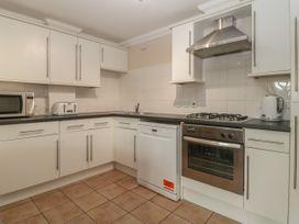 Townbridge Apartment - Dorset - 1062367 - thumbnail photo 13