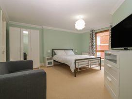 Townbridge Apartment - Dorset - 1062367 - thumbnail photo 16