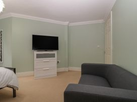 Townbridge Apartment - Dorset - 1062367 - thumbnail photo 17