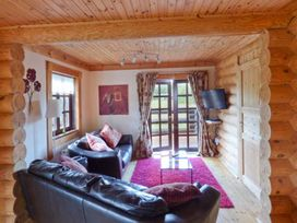 Tamaura Lodge - Norfolk - 1062454 - thumbnail photo 3