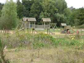 Tamaura Lodge - Norfolk - 1062454 - thumbnail photo 12