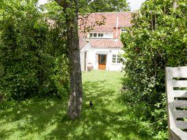 Redwood Cottage - Somerset & Wiltshire - 1062582 - thumbnail photo 22