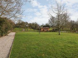 Bramley Orchard Glamping - Lincolnshire - 1062708 - thumbnail photo 19