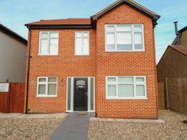 5 bedroom Cottage for rent in Newmarket