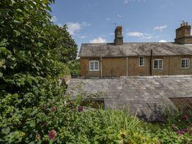 Cobb Cottage - Somerset & Wiltshire - 1063166 - thumbnail photo 2