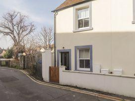 2 bedroom Cottage for rent in Hythe, Kent