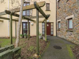2 Chandlers Yard - South Wales - 1063704 - thumbnail photo 2