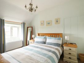 Tawny Cottage - Norfolk - 1063930 - thumbnail photo 11