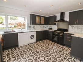 35-37 Upper Quay Street - Anglesey - 1063990 - thumbnail photo 10