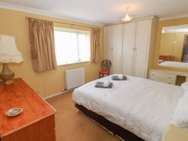 35-37 Upper Quay Street - Anglesey - 1063990 - thumbnail photo 16