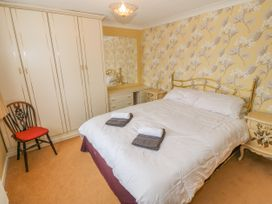 35-37 Upper Quay Street - Anglesey - 1063990 - thumbnail photo 17