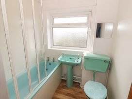 35-37 Upper Quay Street - Anglesey - 1063990 - thumbnail photo 18