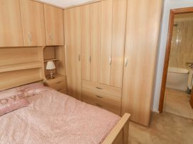 35-37 Upper Quay Street - Anglesey - 1063990 - thumbnail photo 20