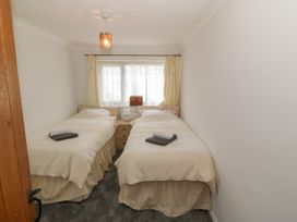 35-37 Upper Quay Street - Anglesey - 1063990 - thumbnail photo 21