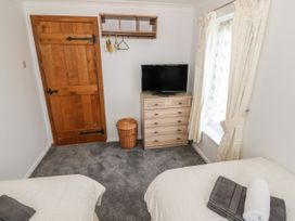 35-37 Upper Quay Street - Anglesey - 1063990 - thumbnail photo 22