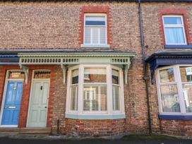 Number 15 - Whitby & North Yorkshire - 1064053 - thumbnail photo 2