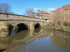 Number 15 - Whitby & North Yorkshire - 1064053 - thumbnail photo 22