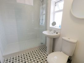 4 Belvedere Place - North Wales - 1064205 - thumbnail photo 17