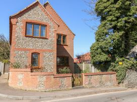 Flintstone Cottage - Norfolk - 1064261 - thumbnail photo 1