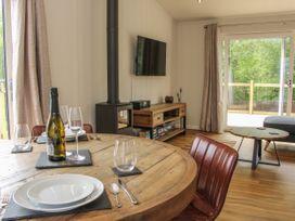 Cedar Lodge - Shropshire - 1064593 - thumbnail photo 12