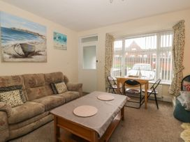 Helredale Retreat Whitby - Whitby & North Yorkshire - 1064609 - thumbnail photo 2