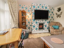 Helredale Retreat Whitby - Whitby & North Yorkshire - 1064609 - thumbnail photo 4