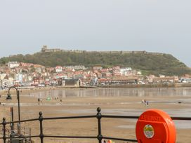 Seaside Breeze - Whitby & North Yorkshire - 1064719 - thumbnail photo 18