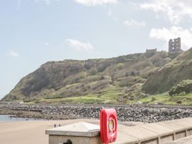 Seaside Breeze - North Yorkshire (incl. Whitby) - 1064719 - thumbnail photo 20