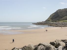 Seaside Breeze - North Yorkshire (incl. Whitby) - 1064719 - thumbnail photo 22