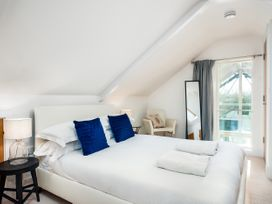 Kingfisher Lodge - Cotswolds - 1064798 - thumbnail photo 25