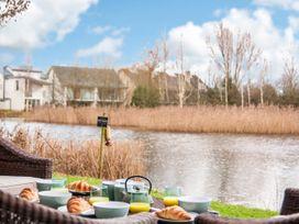 Kingfisher Lodge - Cotswolds - 1064798 - thumbnail photo 17