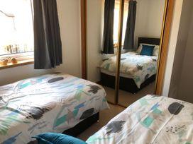 Seashore Apartment - Scottish Lowlands - 1064830 - thumbnail photo 8