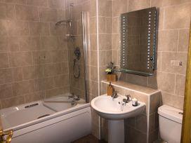 Seashore Apartment - Scottish Lowlands - 1064830 - thumbnail photo 10