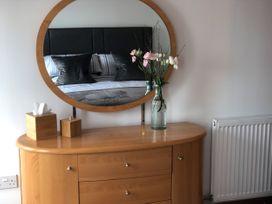 Seashore Apartment - Scottish Lowlands - 1064830 - thumbnail photo 12