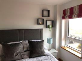 Seashore Apartment - Scottish Lowlands - 1064830 - thumbnail photo 13